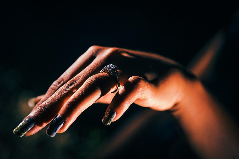 Acryl Gelnägel mit dem Nagelfräser gemacht